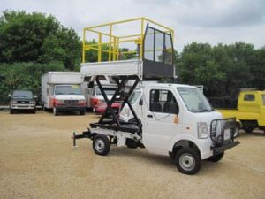 Scissor/Dump with Safety Cage/Manual Load Stabilizers